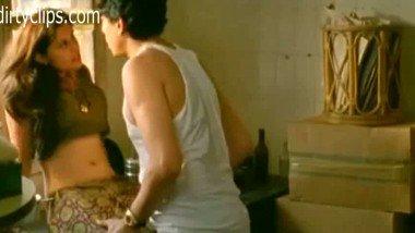 Seductive porn scene of couple from a Hindi movie Hunter