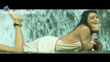 Sexy b-grade actress bath sex video leaked