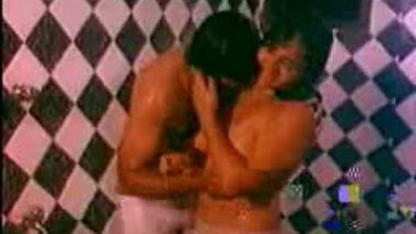 Mallu Softcore Washroom Scene