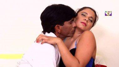Indian porn movies b-grade actress hot smooch