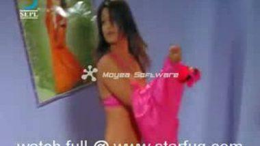 Bollywood Cute Actress Changing Dress
