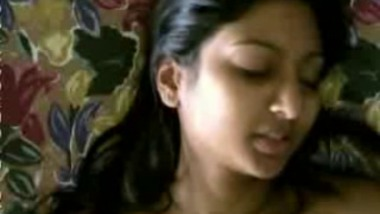 Indian Nri Girl Masturbate With sexy Facial Expressions