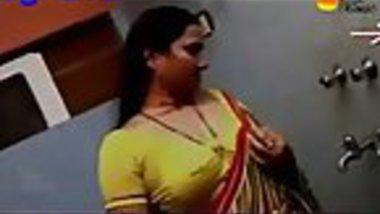 Mallu aunty seducing for romance in bathroom