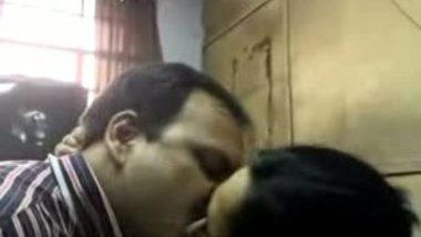 Hot kissing