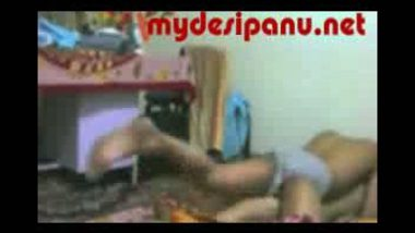 Delhi cute girl fucked by cousin mms
