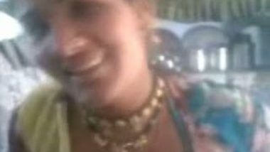 Local Village Lady Mallika Boobs And Pussy