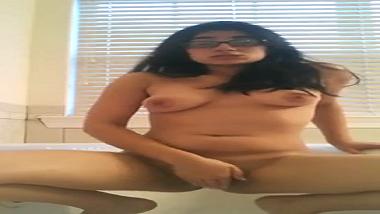 Bengaluru amateur girl moans loudly during masturbation