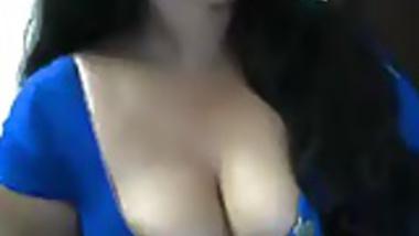 Awesome cleavage of Ragini Bhabhi