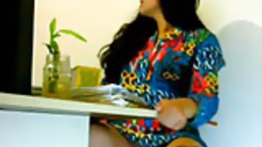 Sexy girl Getting Horny in Office -Indian looks