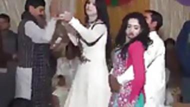 Pakistani Mujra Dancing