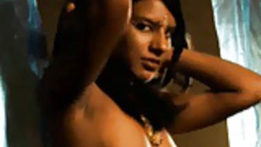 Indian Girl Makes Dancing Seem Erotic