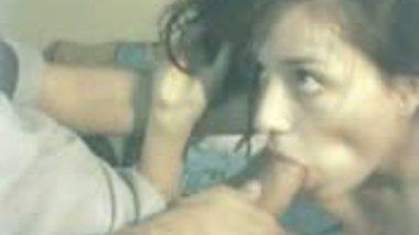 Indian sex blog presents hot blowjob scene of desi girl with neighbor