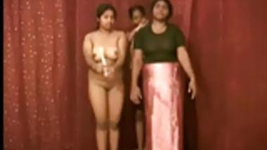 Indian Aunty 1071