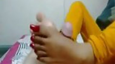 Indian Maid Giving a Footjob To Owner