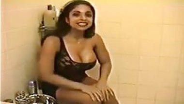 Angela Devi - yummy Shave