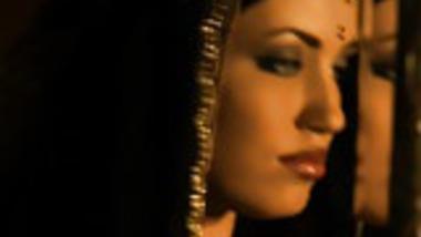 Exotic Bollywood Dancing Babe