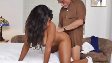 Mature woman seduces guy Glenn ends the job!