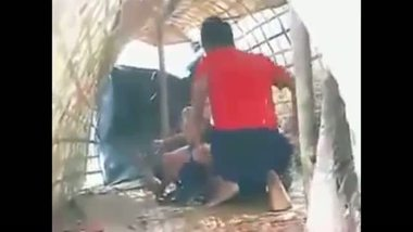 Nude Indian girls outdoor boat sex mms