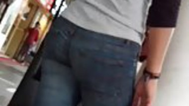 Chandigarh girl in tight jeans