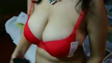 Indian big boobs house wife masturbation on cam