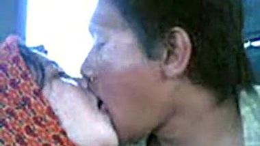 malay- awek tudung kelantan cium lam van