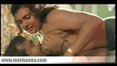 Malayalam porn video showing a hot aunty