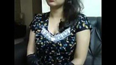 Odisha bhabhi fucking herself on a webcam
