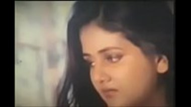 Sexy desi actress doing a hot scene in a movie