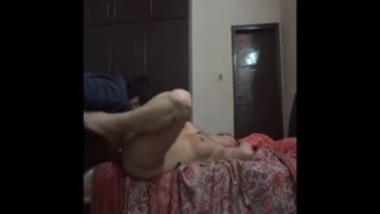 Desi aunty satisfying boss in her home