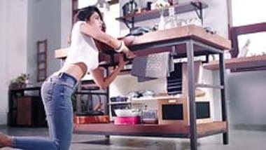 Indian Actress Jeans Ass Show