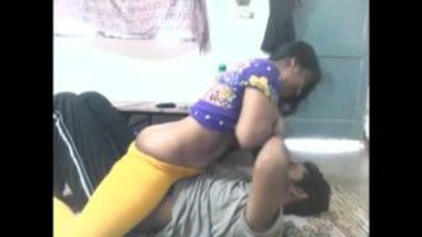 Sexy Bengali Bhabhi Romances With Lover