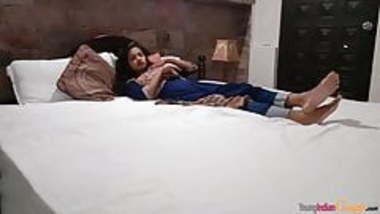 Sarika Juicy Indian Teen Sensual Bedroom Fuck