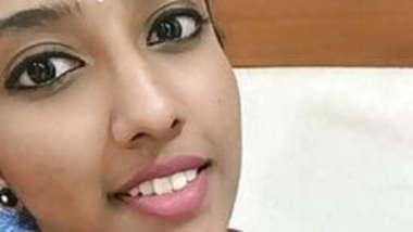 Tamil Tiktok reshma tempting big boobs cleavage