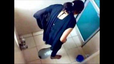 Indian Hidden Cam Showing Desi Girls Peeing