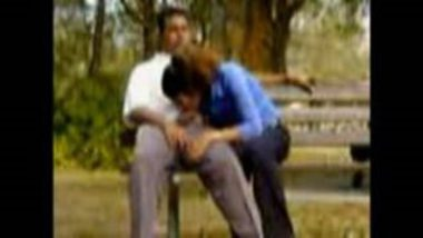 Desi Couple's Blowjob Video Caught