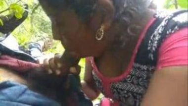 Hot Mallu Girl's Erotic Outdoor Sex Clip With Friend's Lover