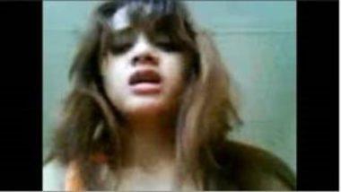 Rich Delhi College Girl's Fucking Video