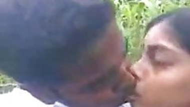 JUNGLE ME DESI SCHOOl girl BIG BOOBS PRESSING IN HER BF.