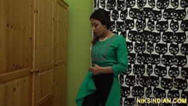 Indian college teen fucked hard by her boyfriend