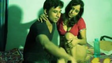 Desi Porn Showing Housewife Having Extra Marital Affair