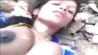 Sexy Telugu Bhabhi Banged In Forest Stripping Saree