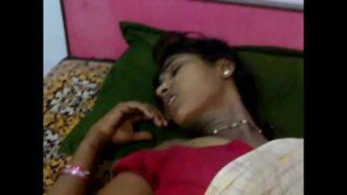 Finger fucking sexy telugu bharya kiran in saree