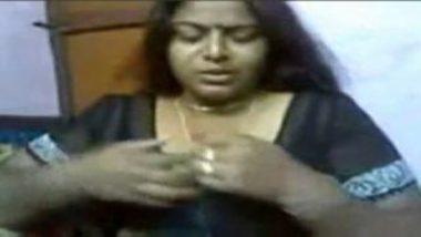 Sucking big boobs of sexy tamil neighbor aunty