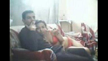 Indian Hot Desi sex mms of Horny Mumbai couple - Wowmoyback