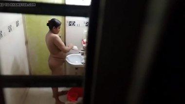 Indian aunty bath 2
