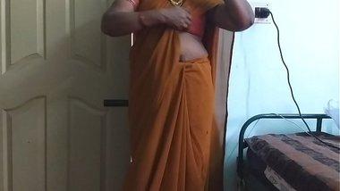 desi indian horny tamil telugu kannada malayalam hindi cheating wife wearing saree vanitha showing big boobs and shaved pussy press hard boobs press