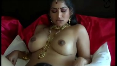 Now this VIP maam is fucking by our playboy, if you also want to join playboy Massage on Instagram:- playboyrws