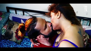 indian cuckold kissing wife