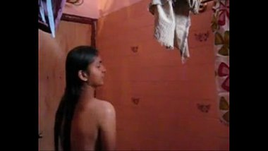self recorded mms video of hot indian college girl taking shower