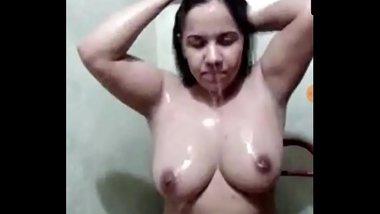 Desi Girl Bath Show